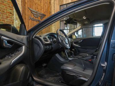 Volvo V40 1.5 T2 Black Edition AUTOMAAT - autom - Navi - Falcomotivegar!! - <small></small> 17.666 € <small>TTC</small> - #5