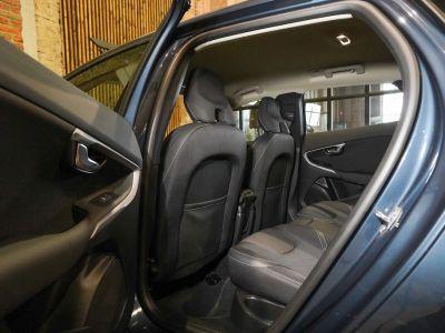 Volvo V40 1.5 T2 Black Edition AUTOMAAT - autom - Navi - Falcomotivegar!! - <small></small> 17.666 € <small>TTC</small> - #11