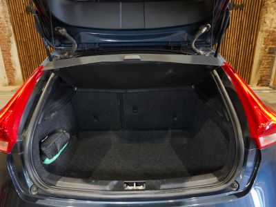Volvo V40 1.5 T2 Black Edition AUTOMAAT - autom - Navi - Falcomotivegar!! - <small></small> 17.666 € <small>TTC</small> - #15