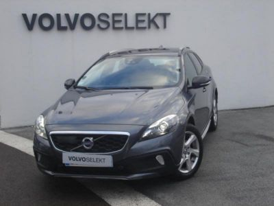 Volvo V40 Cross Country D2 115ch Xénium Start&Stop - <small></small> 13.900 € <small>TTC</small>