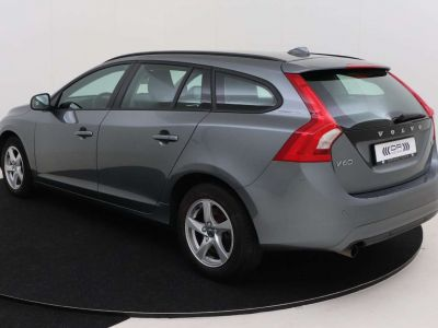 Volvo V60 2.0 D2 Kinetic Geartronic - <small></small> 17.995 € <small>TTC</small>