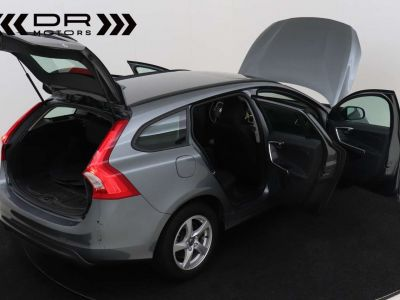 Volvo V60 2.0 D2 Kinetic Geartronic - <small></small> 17.395 € <small>TTC</small> - #4