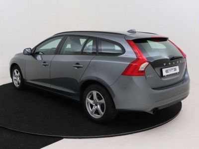 Volvo V60 2.0 D2 Kinetic Geartronic - <small></small> 17.395 € <small>TTC</small> - #10