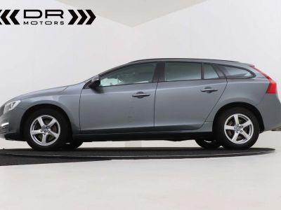 Volvo V60 2.0 D2 Kinetic Geartronic - <small></small> 17.395 € <small>TTC</small> - #15