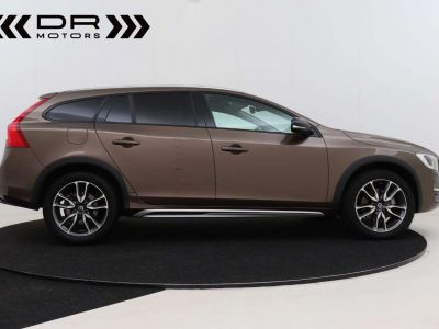 Volvo V60 Cross Country 2.0 D3 Summum - <small></small> 21.995 € <small>TTC</small> - #14