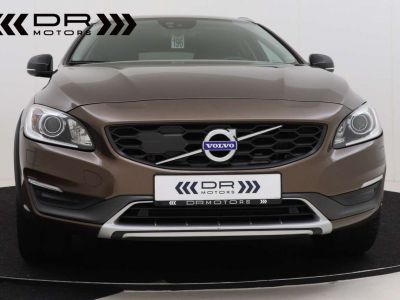 Volvo V60 Cross Country 2.0 D3 Summum - <small></small> 21.995 € <small>TTC</small> - #21