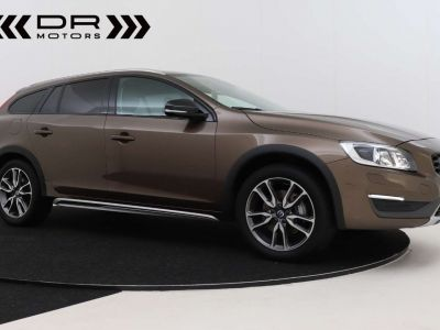 Volvo V60 Cross Country 2.0 D3 Summum - <small></small> 21.995 € <small>TTC</small> - #27