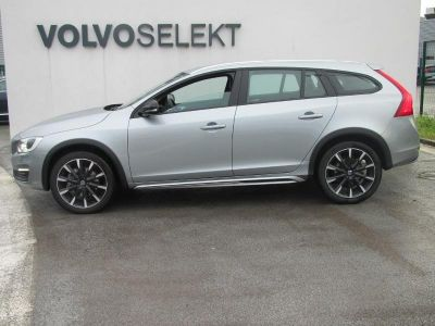 Volvo V60 Cross Country D4 AWD 190ch Summum Geartronic - <small></small> 24.900 € <small>TTC</small>
