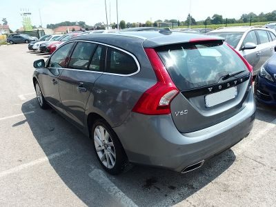 Volvo V60 D4 190CH XENIUM GEARTRONIC - <small></small> 14.490 € <small>TTC</small>