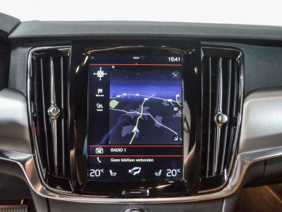 Volvo V90 2.0 D4 Geartronic / 1eigenr / Leder / LED... - <small></small> 26.995 € <small>TTC</small> - #24