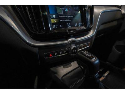 Volvo XC60 2.0 D4 Momentum - Full - Autom - Als Nw - <small></small> 30.900 € <small>TTC</small> - #17