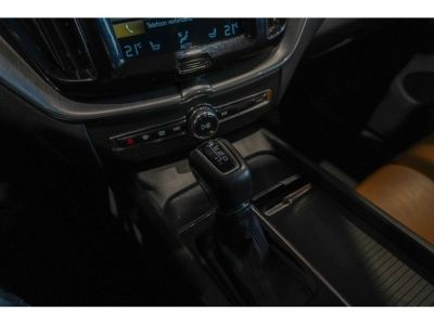 Volvo XC60 2.0 D4 Momentum - Full - Autom - Als Nw - <small></small> 30.900 € <small>TTC</small> - #18