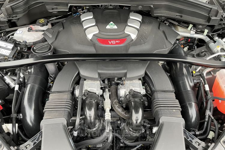 Alfa Romeo Stelvio V6 510 CH NRING 2,9 l V6 Bi-Turbo 510 ch NRING - Prix sur Demande - #10