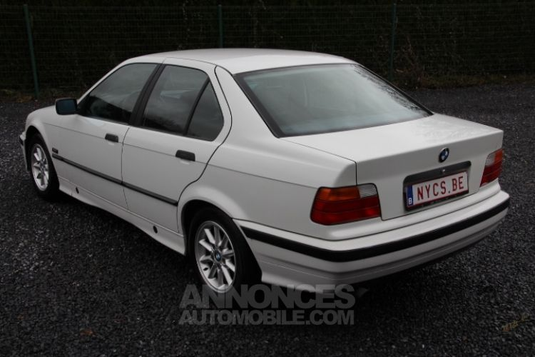 BMW Série 3 E36 318 is - <small></small> 6.200 € <small>TTC</small> - #5