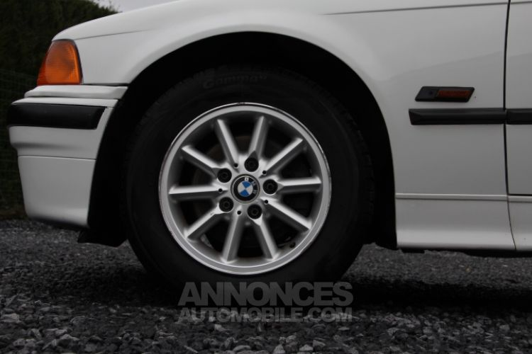 BMW Série 3 E36 318 is - <small></small> 6.200 € <small>TTC</small> - #37