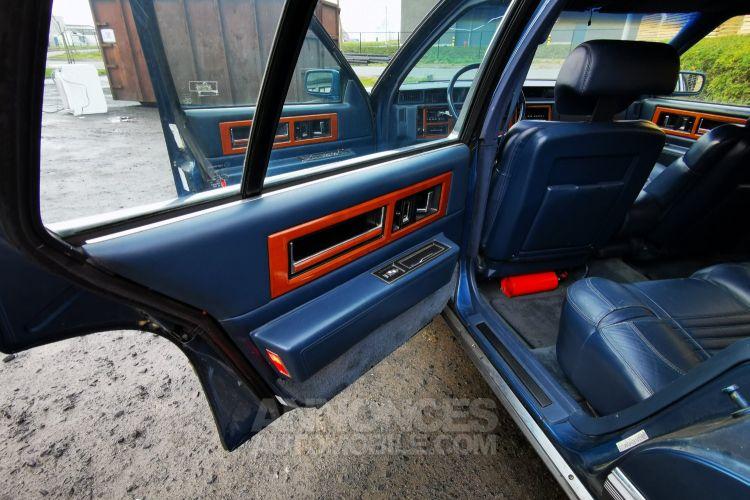 Cadillac FLEETWOOD , CADILLAC FLEETWOOD - DE VILLE , Limo , V8 - 4500 Cc Automatique - <small></small> 6.000 € <small>TTC</small> - #19