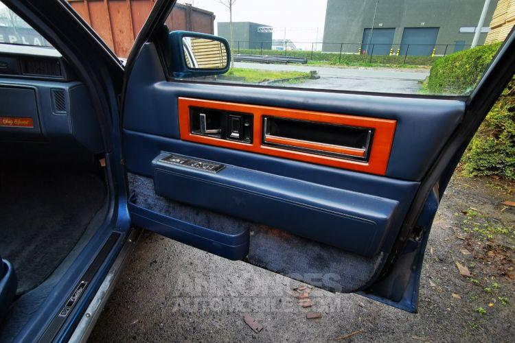 Cadillac FLEETWOOD , CADILLAC FLEETWOOD - DE VILLE , Limo , V8 - 4500 Cc Automatique - <small></small> 6.000 € <small>TTC</small> - #27
