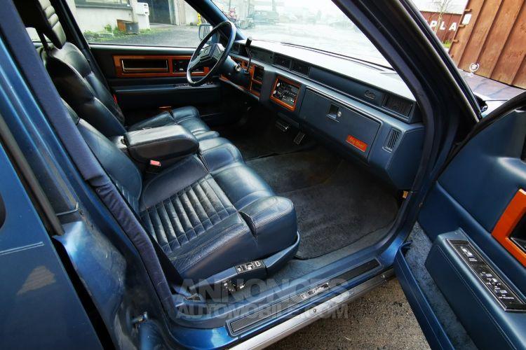 Cadillac FLEETWOOD , CADILLAC FLEETWOOD - DE VILLE , Limo , V8 - 4500 Cc Automatique - <small></small> 6.000 € <small>TTC</small> - #28