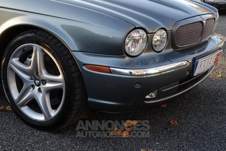 Jaguar XJ R 4.2i V8 Suralimenté - BVA R 2003 BERLINE . PHASE 1 - <small></small> 21.750 € <small>TTC</small> - #20