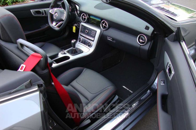 Mercedes SLC 180 i, AMG, slechts 6.000 km, leder, navi, airscarf - <small></small> 33.900 € <small>TTC</small> - #14