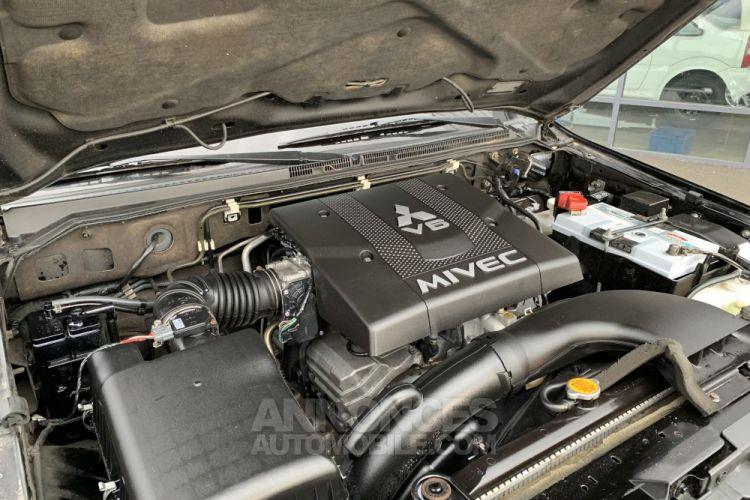Mitsubishi PAJERO 3.8 L V6 Essence GDI 248 CV Instyle BVA - <small></small> 22.000 € <small>TTC</small> - #14