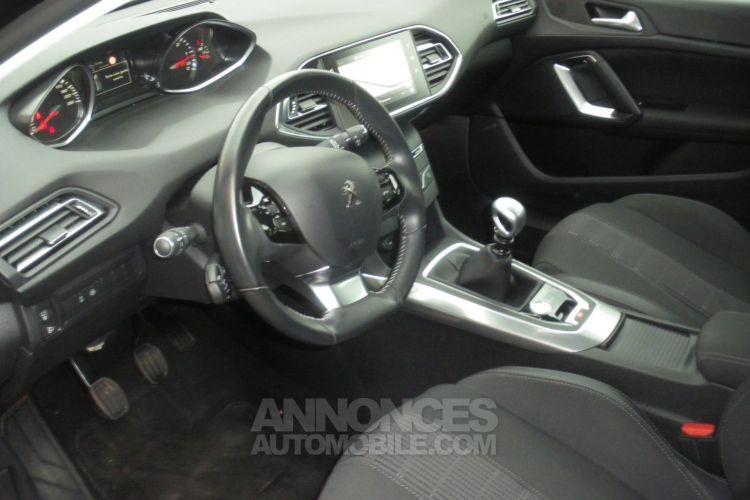 Peugeot 308 II 1.5 BlueHDi 130 1499 130cv ALLURE - <small></small> 16.990 € <small>TTC</small> - #3