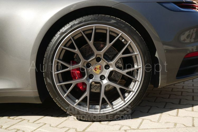 Porsche 992 911 Carrera 4S, SportDesign, Toit pano, Caméra 360°, Pack Chrono, Échappement sport... - <small></small> 134.990 € <small>TTC</small> - #14