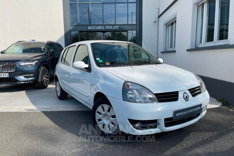 Renault Clio 1.5 dCi 65ch Dynamique 5p - <small></small> 3.950 € <small>TTC</small> - #2