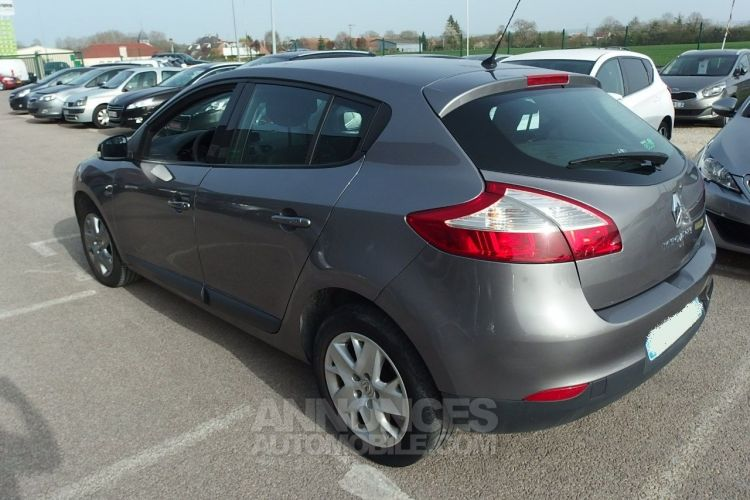 Renault Megane 1.5 DCI 110CH FAP AUTHENTIQUE ECO² - <small></small> 5.490 € <small>TTC</small> - #2