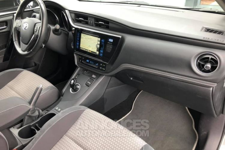 Toyota Auris HSD Collection 136h 136ch - <small></small> 16.990 € <small>TTC</small> - #16