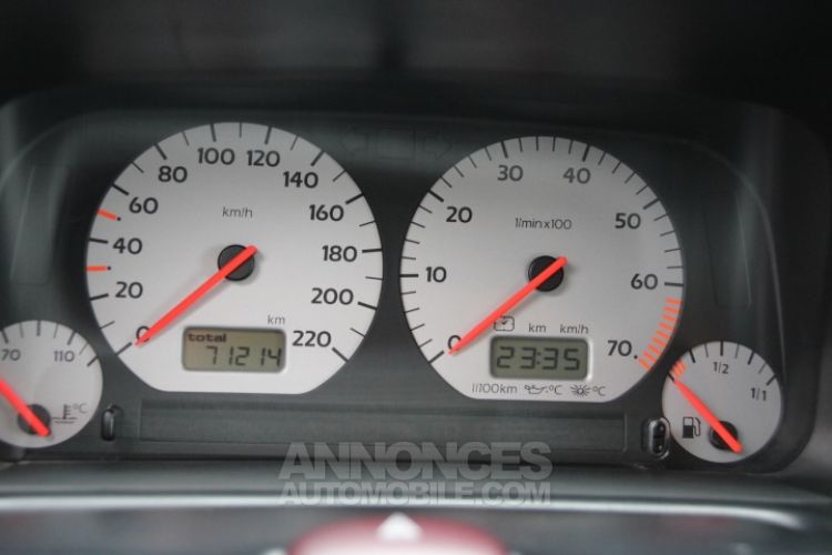 Volkswagen Golf 3 GTI spéciale 20 ans - <small></small> 14.500 € <small>TTC</small> - #17