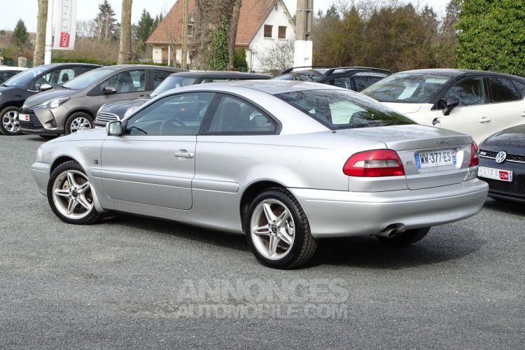 Volvo C70 Coupé T5 - BVA AVANT 2006 COUPE Optimum - <small></small> 9.470 € <small>TTC</small> - #2
