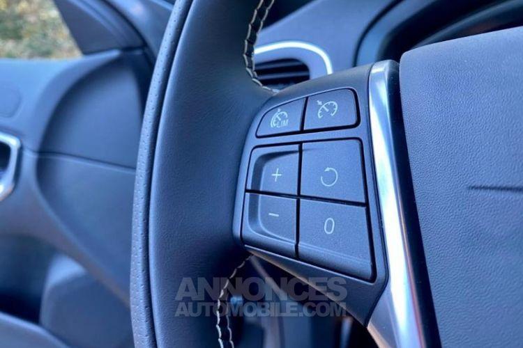 Volvo V40 D3 AdBlue 150ch R-Design Geartronic - <small></small> 26.900 € <small>TTC</small> - #10
