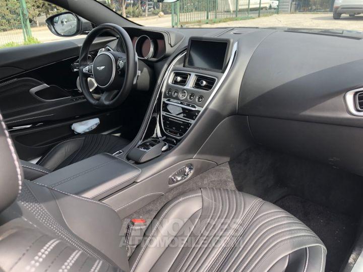 Aston Martin DB11 V12 gris Occasion - 10