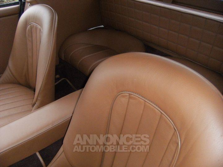 Austin Healey 3000 BJ8 MK3 old english white / Brun choco Occasion - 3
