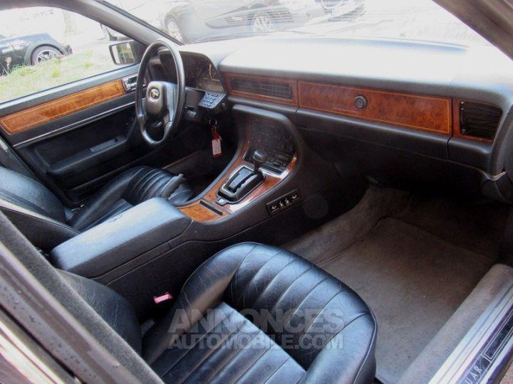 Jaguar XJ40 XJ6 GRIS FONCE Occasion - 16