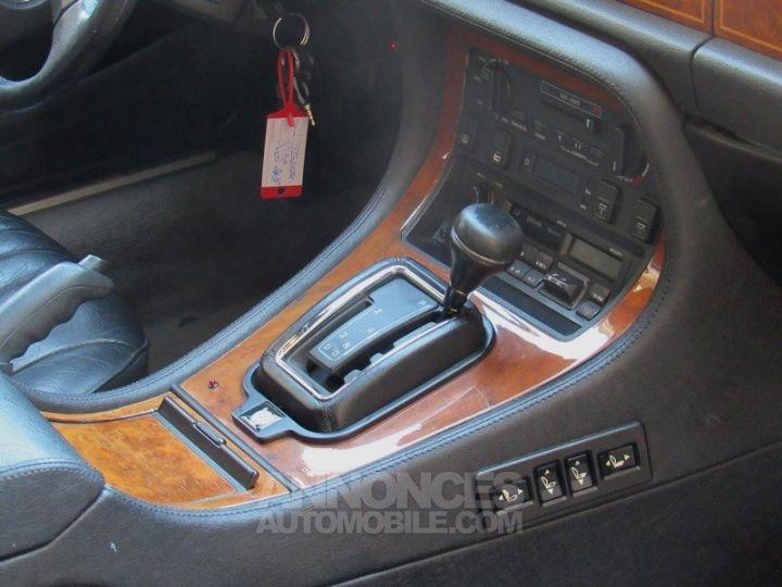 Jaguar XJ40 XJ6 GRIS FONCE Occasion - 17