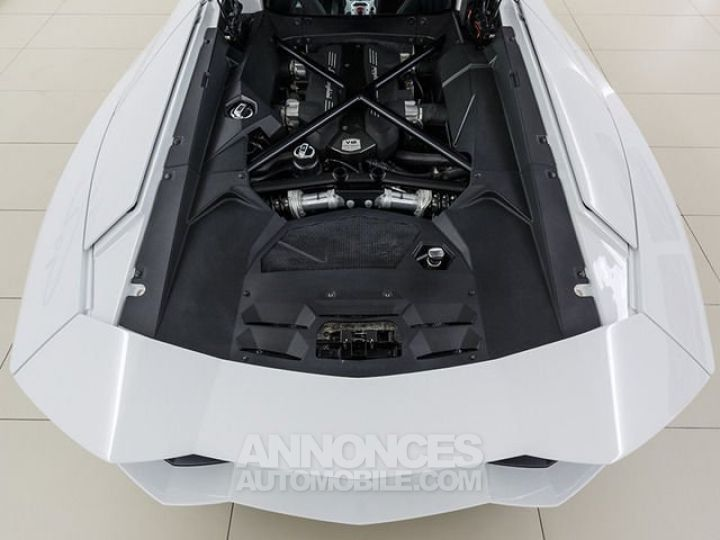 Lamborghini Aventador LP700-4 e-gear  blanc Occasion - 12