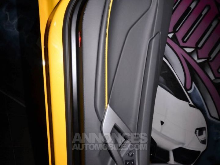 Lamborghini Aventador S Roadster V12 LP 740-4 JAUNE METAL Occasion - 8