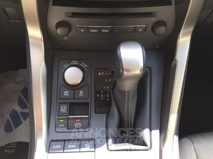Lexus NX 300h 2WD Pack Gris Foncé Occasion - 16