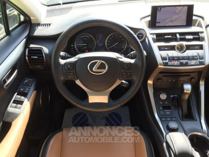 Lexus NX 300h 4WD Pack Business GRIS F Occasion - 10