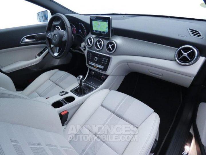 Mercedes CLA Shooting Brake 180 d Sensation Blanc Cirrus Occasion - 4
