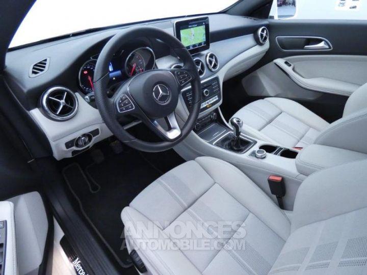 Mercedes CLA Shooting Brake 180 d Sensation Blanc Cirrus Occasion - 8