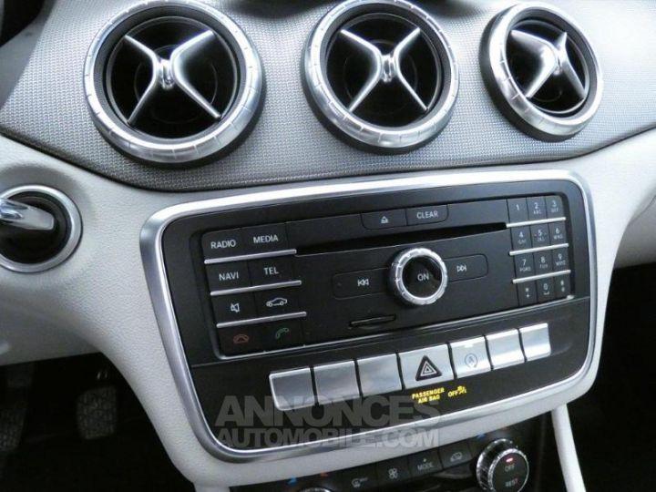 Mercedes CLA Shooting Brake 180 d Sensation Blanc Cirrus Occasion - 12