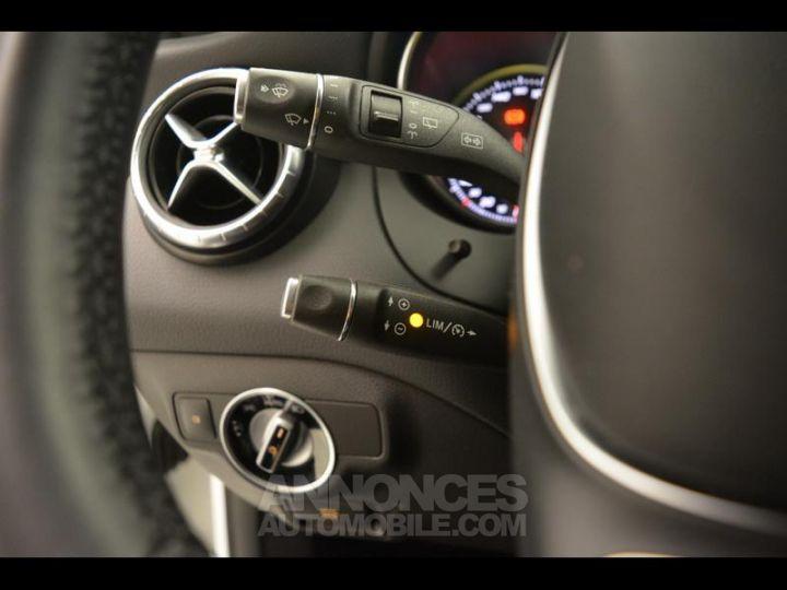 Mercedes CLA Shooting Brake 200 d Sensation 7G-DCT Blanc Occasion - 4
