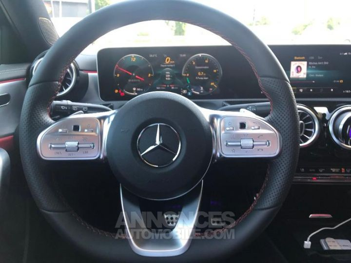 Mercedes Classe A 180 d AMG Line 7G-DCT Noir cosmos métallisé Occasion - 13