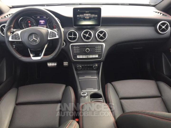 Mercedes Classe A 200 d Fascination 7G-DCT GRIS MONTAGNE Occasion - 3