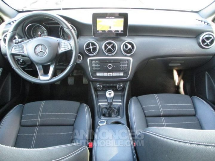 Mercedes Classe A 200 d Sensation GRIS MONTAGNE Occasion - 3