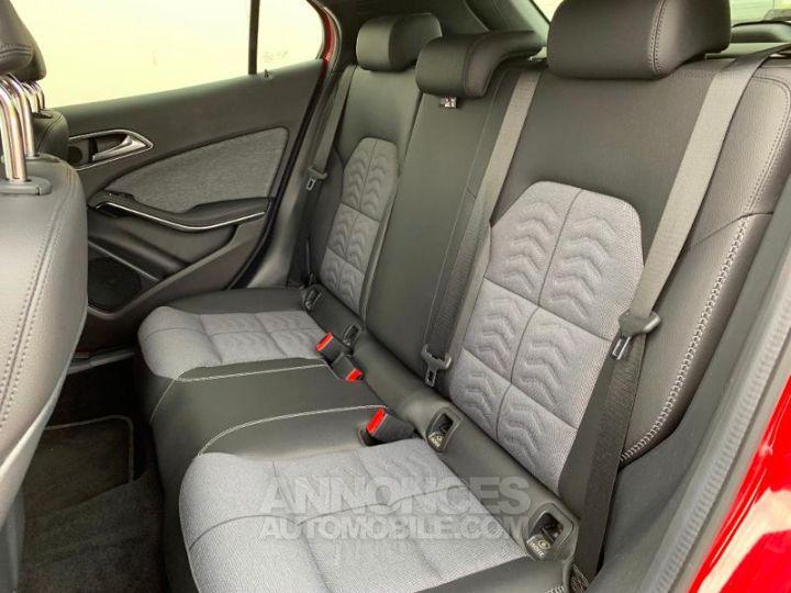 Mercedes Classe GLA 180 d Inspiration 7G-DCT ROUGE Occasion - 9