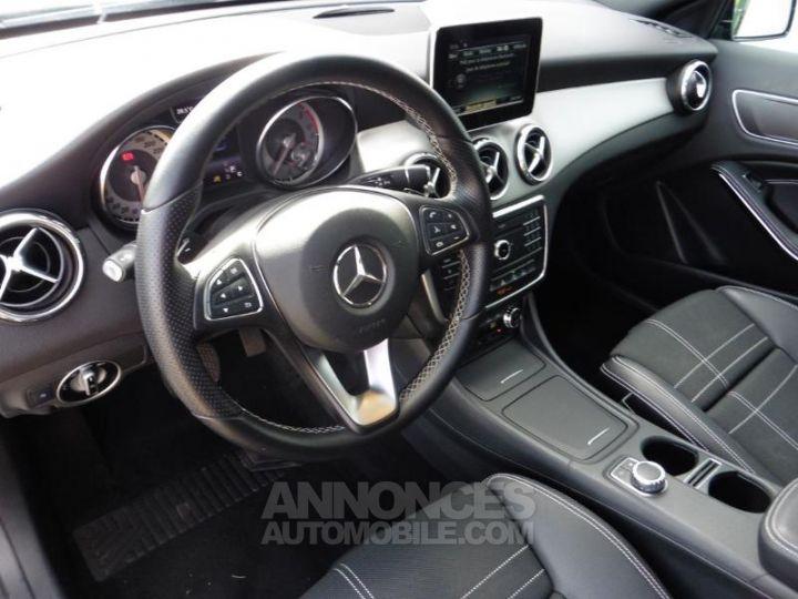 Mercedes Classe GLA 180 d Sensation 7G-DCT Noir Occasion - 4